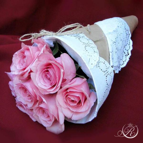 Букет из 9 розовых роз заказать с доставкой