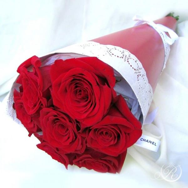Букет из 7 красных роз заказать с доставкой