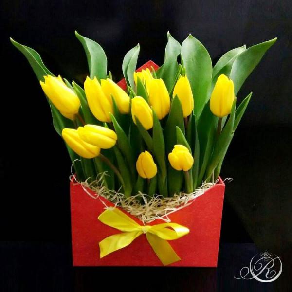 Букет из желтых тюльпанов заказать с доставкой