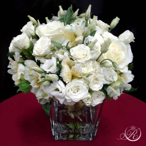 Букет из белых роз #1 с доставкой