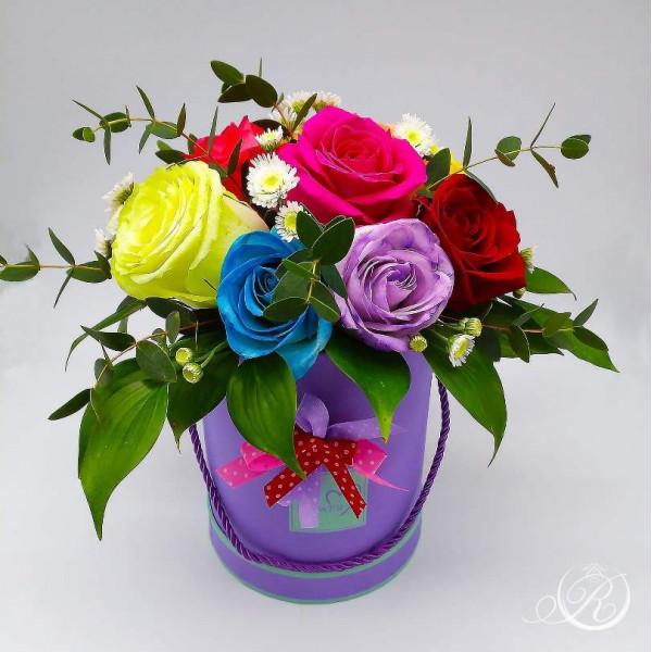 Букет разноцветных роз #3 в шляпной коробке