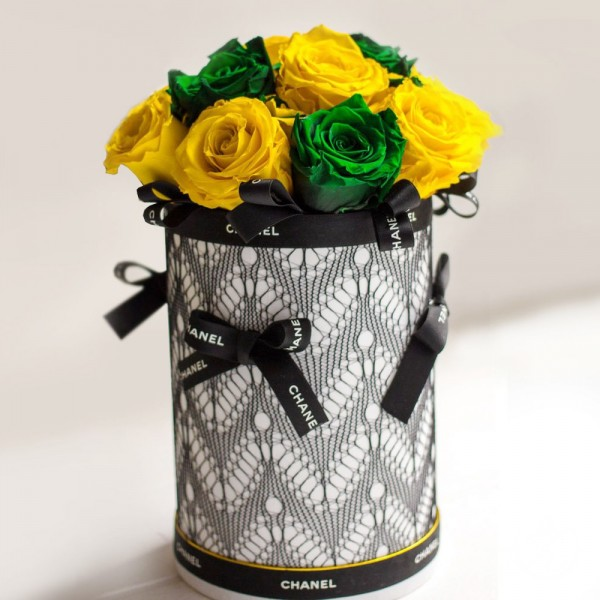 """Жёлтые розы в шляпной коробке """"Luxury"""""""