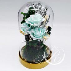 Три голубых розы в колбе
