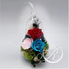 Три розы в колбе Груша
