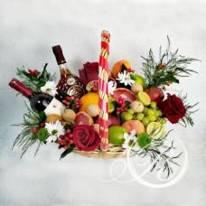Букет с фруктами и напитками